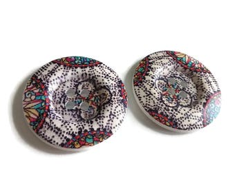 1.5 inch buttons - Map wooden sewing buttons - set of 2