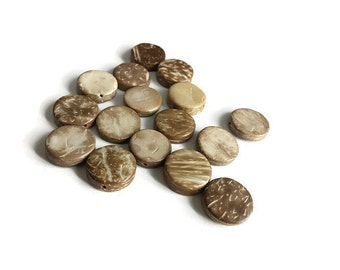 ON SALE! 15 Flat Round Coconut Beads 15mm