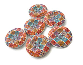 6 painted wooden button - flower patchwork pattern 23mm