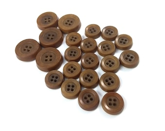 Caramel plastic sewing buttons - set of 22 vintage suit buttons 15-22mm