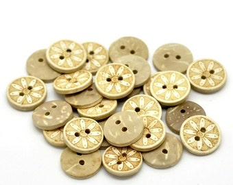 10 Coconut Shell Buttons 15mm - Rustic Daisy Flower