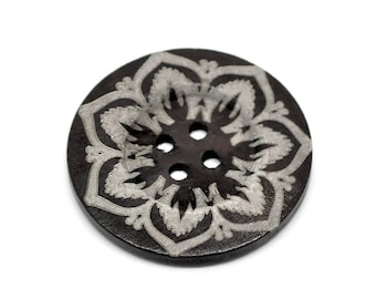 """Extra large button - 3 wooden button 60mm (2 3/8"""") - flower pattern"""