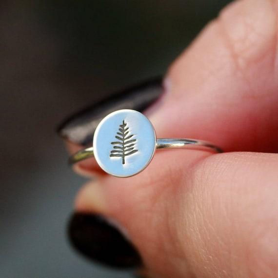 24 mm Jewels Obsession Evergreen Leaf Charm Pendant 14K White Gold Evergreen Leaf Pendant