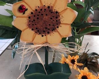 Sunflower shelf sitter