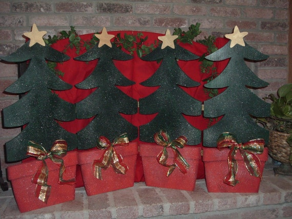 image 0 - Christmas Fireplace Screen