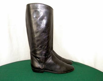 81083c189 Etienne Aigner Vintage 1980s Sz 6.5 Women Black Leather flat riding boots.