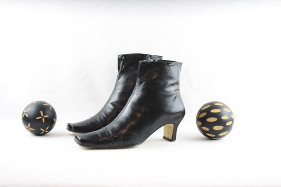 Size 11 Ankle Boots-Vintage Women Boots-Side Zippe