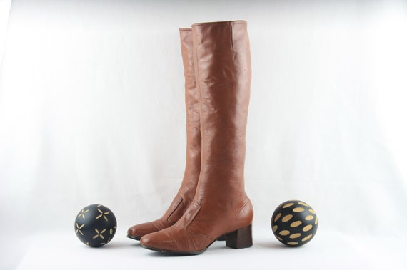 Vintage Go Go Boots. Size 8.5 Tall Brown Genuine L
