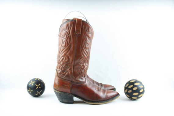 Vintage Cowboy Boots. Size 10.5 Tall Reddish Brown