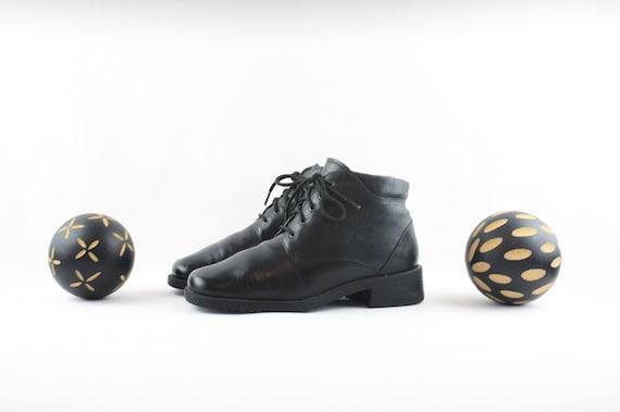 Vintage Ankle Boots. Size 6 Short Black Genuine L… - image 4