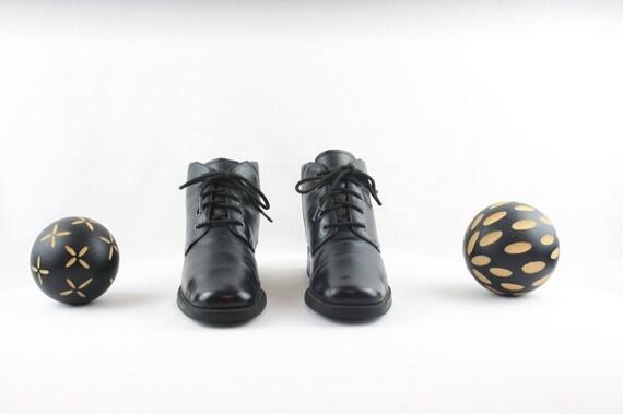 Vintage Ankle Boots. Size 6 Short Black Genuine L… - image 2