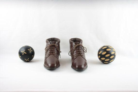 Vintage Women Ankle Boots-Sz 7.5 Lace-Up Boots-19… - image 2