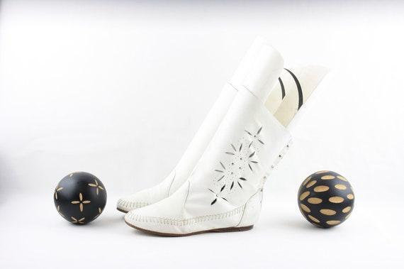 Vintage Boots-Size 5 Boots-Vintage Womens Wear-Vin