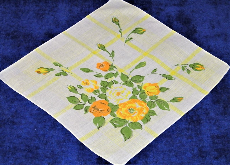 Brides Hankie~2019 Ladies EXC Vintage 40/'s 11.5 Peach and Yellow Mixed Floral Pocket Square