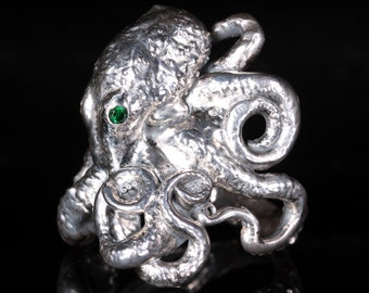Octopus Ring with Emerald Eyes - Tentacle Ring Octopus Jewelry Ocean Jewelry Steampunk Kraken Sea Creature Ring Art Nouveau Ring