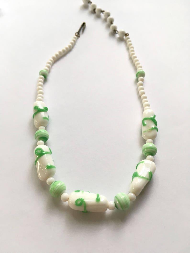 Vintage White Milkglass /& Jadeite Colored Art Glass Choker Necklace