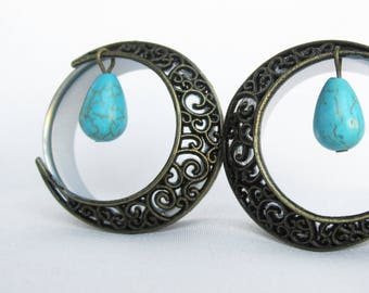 Pair of Antique Brass Swirl Moon Tunnels w/ Turquoise Beads - Girly Plugs - Feminine Gauges - Handmade - 25mm 28mm 30mm 32mm - Boho Bohemian