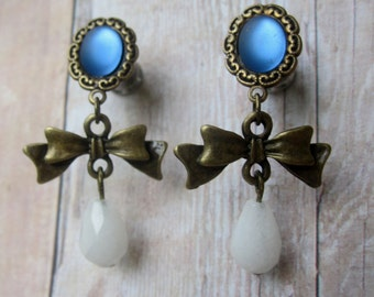 One of a Kind VINTAGE Plugs - Vintage Blue Moonstone Charm Plugs with Natural Snow Quartz Beads - Handmade Girly Gauges - 4g (5mm)