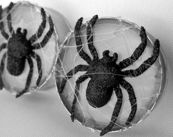LAST Pair of Halloween Spider Plugs - Spiderweb Gauges - Spider Web - Autumn - Tunnels - Handmade - 32mm