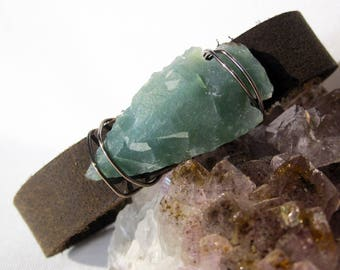 "One of a Kind Green Arrowhead and Leather Bracelet - Handmade Bohemian Jewelry - Boho Layering Jewelry - Medium 7.5"""