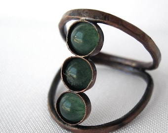 Dual Split Band Hammered Copper and Aventurine Bohemian Ring - Stacking Green Crystal Ring - Custom Healing Stone Jewelry
