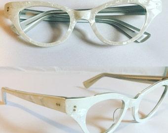 e1aa3dc198 Vintage Glasses