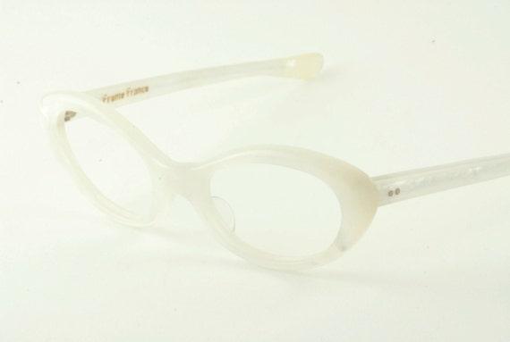 cf29f24e8e Pearl White Cateye Glasses Vintage Cream Colored Cat Eye