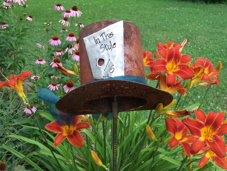 Delicieux The Mad Hatter Alice In Wonderland Inspired, Metal Garden Art, Metal Lawn  Ornament, Metal Garden Decor