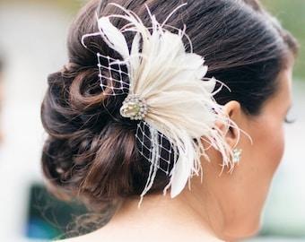 Bridal Feather Fascinator, Wedding Feather Headpiece, Bridal Feather Hair Clip, Bridal Feather Headpiece, Ivory Feather Hair Clip - CALI