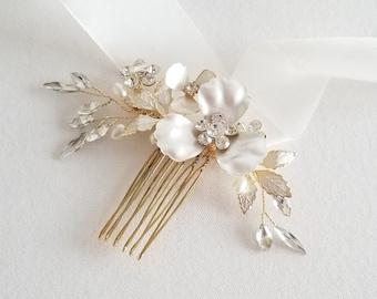 Floral Bridal Comb, Wedding Hair Comb for Bride, Gold Pearl Crystal Bridal Headpiece