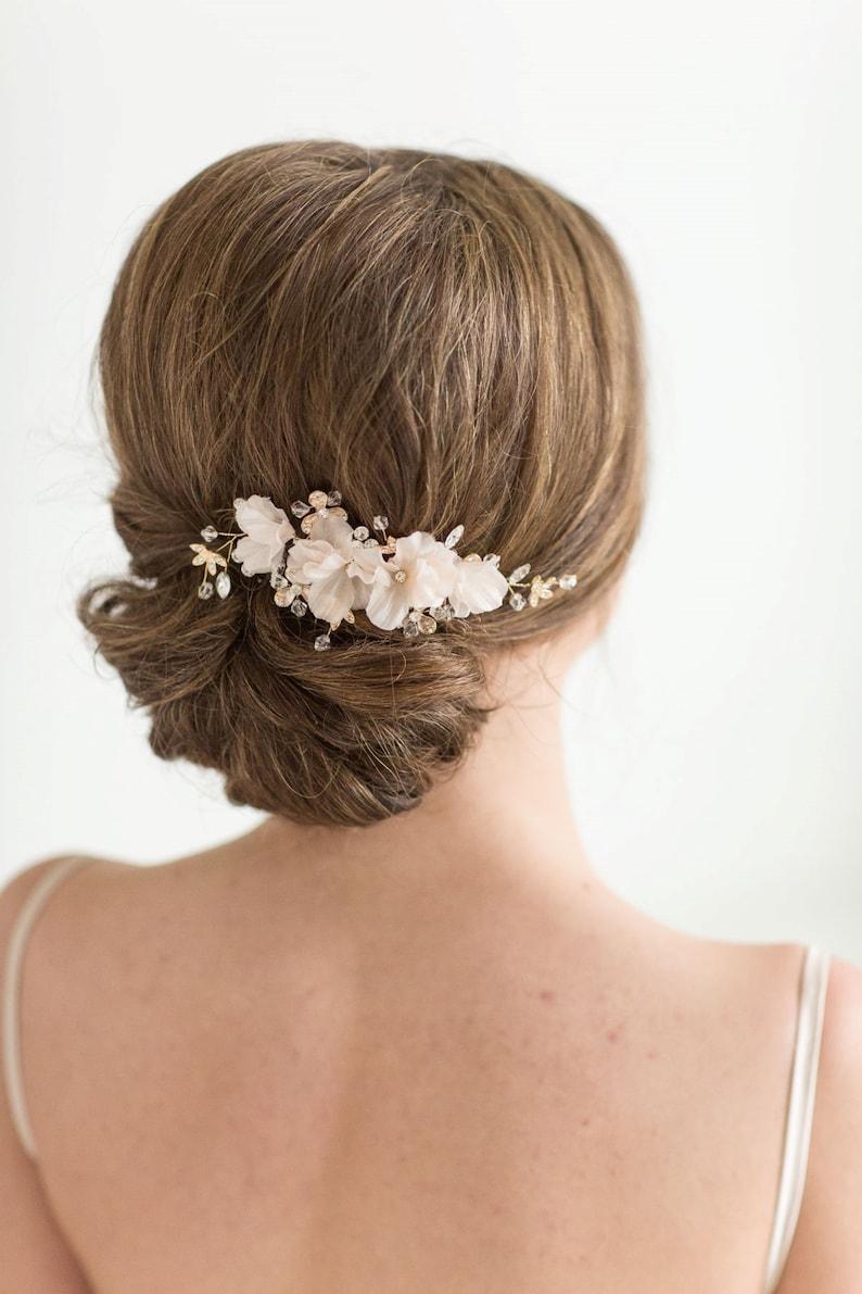 Bridal Hair Comb Wedding Headpiece Floral Crystal Hair Comb image 0
