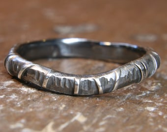 Eco Gothic 2.5 mm wide curved wedding ring. Hand made in the UK