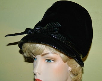 db3b081549e Vintage 60s Christian Dior Hat Chapeaux Paris New York Mod Bubble Bucket Hat  Black Velvet and Faux Snakeskin Bow Mad Hatter vfg
