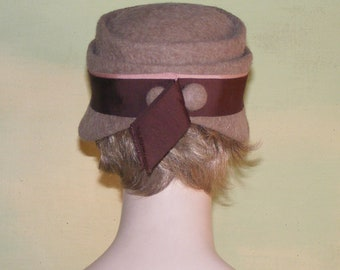 6e53bb84c7f 21 Vintage 1950s   60s Brown Mohair Mod Cloche Hat Maurice Rothschild Young  Quinlan Co. Mad Men