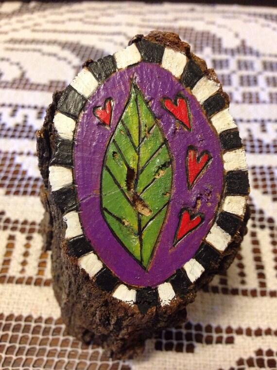 Leaf love – tree stump art