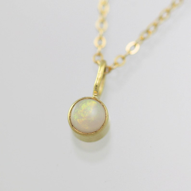 18 Lrg in 14k Yellow Gold Opal Drop Necklace