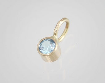 Blue Topaz Drop Pendant in 14k Yellow Gold (pendant only)