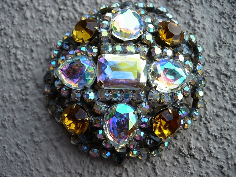 Signed Vintage Pin or Brooch in Amber /& Aurora Borealis Crystal