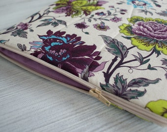 Laptop sleeve case cover for a 13 inch Macbook/ linen/ zipper