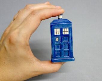 Figurine de TARDIS - Mini en céramique bleu Police boîte Sculpture