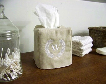 laurel wreath tissue box cover -embroidered - monogram - monogrammed tissue cover - personalized gift - hostess gift - custom