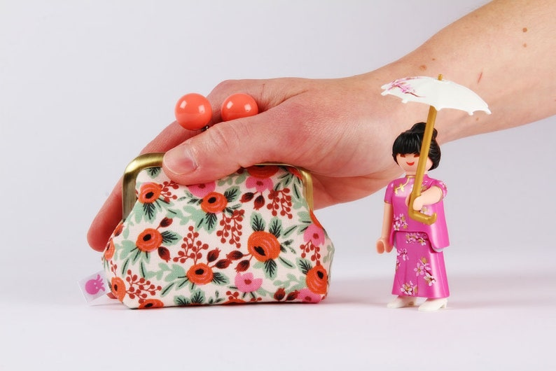 Color mum  japanese fabric  Cotton and Steel  Kisslock change pouch Metal frame coin purse with color bobbles Rosa blush