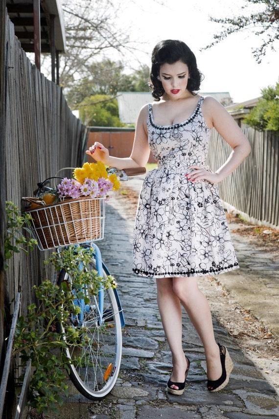 fbed89b8c695 SADIE DRESS Pink Daisy With Belt 60s Pinup Rockabilly