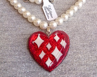 Lucite Sparkles Heart Red & White Pearls - Necklace - Confetti Lucite - Retro - Mid-Century Modern - Heart Necklace - Glitter Paradise®