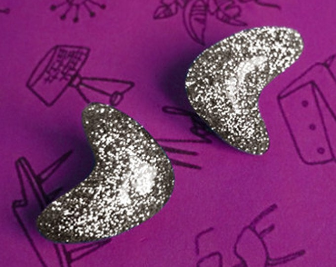 Confetti Lucite Atomic Boomerang Silver - Earrings - Glitter Boomerangs - Mid-Century Modern - Retro - Pinup Earrings - Glitter Paradise®