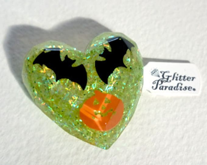 Confetti Lucite Halloween Heart - Brooch - Bat and Pumpkin - Gothic - Halloween Jewelry - Ghoul Gang Jewelry - Darkness - Glitter Paradise®