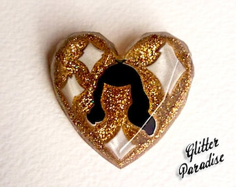 Lucite Heart Bettie's Cut Gold - Brooch - Bettie Page - Confetti Lucite - Retro - Pin-up 50s - Pin-up Jewelry - Bangs - Glitter Paradise®