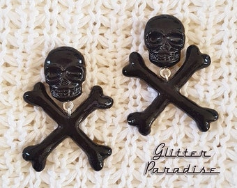Skull and Crossed Bones Black - Earrings - Skull - Ghoul - Punk - Rockabilly - Cute & Dead - Punk - Gothic - Dead - Glitter Paradise®