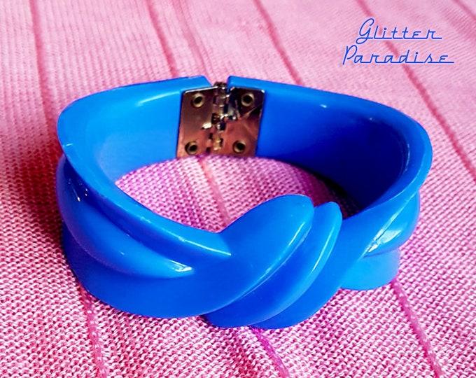 Original Vintage Bow Clamper Bracelet Blue - Retro Celluloid Bangle - Mid-Century - 1950s - Jewelry - Vintage Inspired Glitter Paradise®