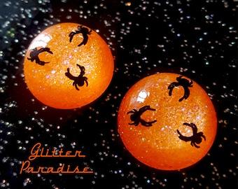 Lucite Dômes Halloween Spiders - Earrings - Retro Halloween Jewelry -  Retro Spider Earrings - Confetti Lucite Halloween - Glitter Paradise®